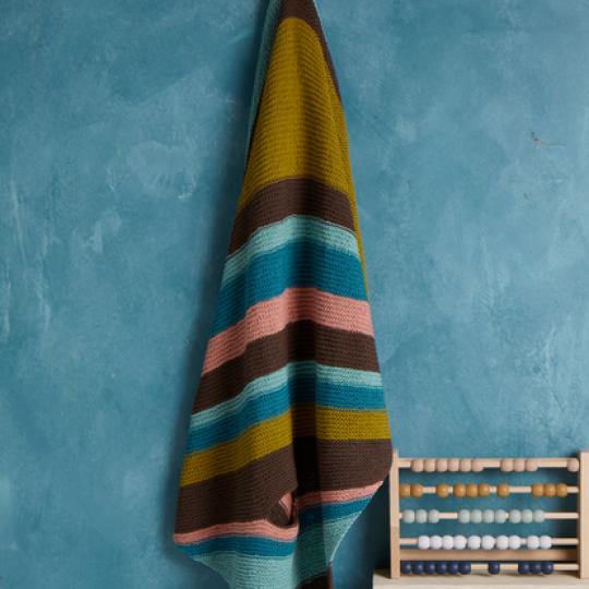 EK11 Travel Blanket