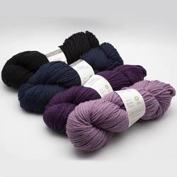 Erika Knight Strickset Decke Big Vintage Drizzling Dark Violet